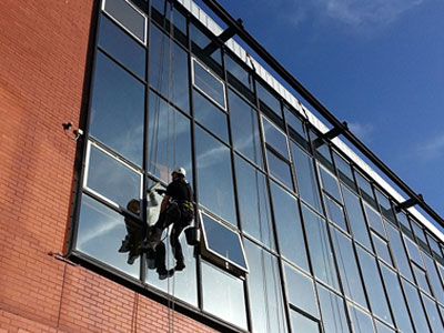 Facade cleaning image butlers glass